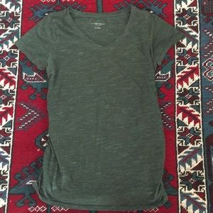 Green V-neck maternity tshirt